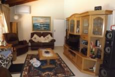 4 Bedroom House for sale in Die Wilgers 1071411 : photo#2