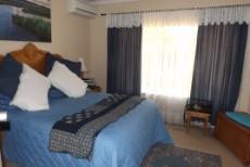 4 Bedroom House for sale in Die Wilgers 1071411 : photo#23