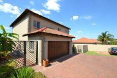4 Bedroom House for sale in Thatchfield Estate 1072286 : photo#2