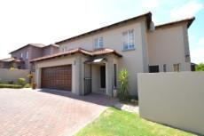 4 Bedroom House for sale in Thatchfield Estate 1072286 : photo#0