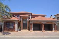 4 Bedroom House for sale in Beyers Park 1073111 : photo#0