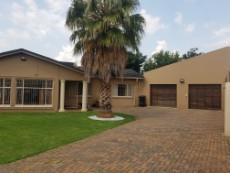 5 Bedroom House for sale in Beyerspark 1073262 : photo#1