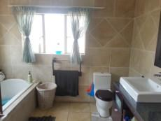 5 Bedroom House for sale in Beyerspark 1073262 : photo#24