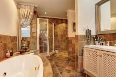 4 Bedroom House for sale in Garsfontein 1073819 : photo#17