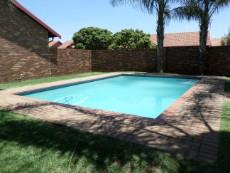 2 Bedroom Townhouse for sale in Meyerspark 1074247 : photo#12