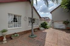 3 Bedroom House for sale in Garsfontein 1075209 : photo#0