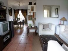 3 Bedroom Townhouse pending sale in Meyerspark 1075354 : photo#1