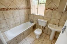 3 Bedroom House for sale in Garsfontein 1076099 : photo#16