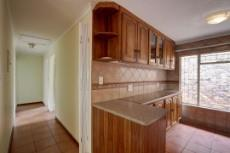 3 Bedroom House for sale in Garsfontein 1076099 : photo#9