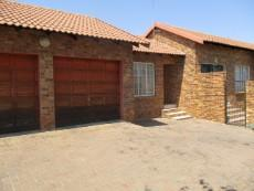 3 Bedroom House for sale in Thatchfield Estate 1078015 : photo#25