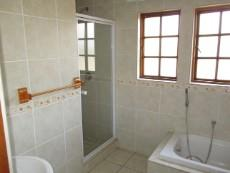 3 Bedroom House for sale in Thatchfield Estate 1078559 : photo#14