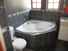 3 Bedroom House for sale in Thatchfield Estate 1078559 : photo#21