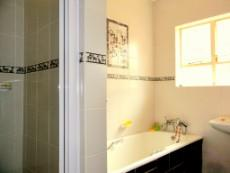 4 Bedroom House for sale in Die Wilgers 1078624 : photo#14