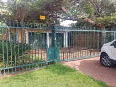 4 Bedroom House for sale in Garsfontein 1080029 : photo#6