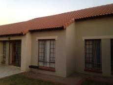 2 Bedroom Townhouse sold in Monavoni 1080488 : photo#1