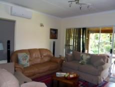 4 Bedroom House for sale in Die Wilgers 1080509 : photo#2