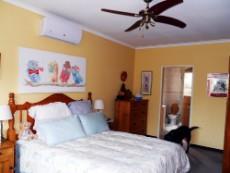 4 Bedroom House for sale in Die Wilgers 1080509 : photo#6