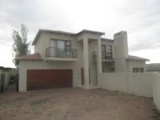 3 Bedroom House for sale in Thatchfield Estate 1080712 : photo#1