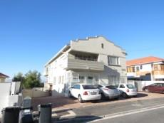 2 Bedroom Flat for sale in Vredehoek 1081274 : photo#1