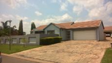3 Bedroom House for sale in Thatchfield Estate 1082109 : photo#0