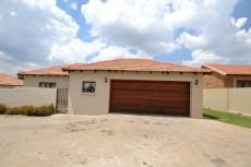 3 Bedroom House for sale in Thatchfield Estate 1083708 : photo#30