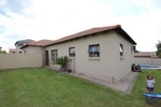 3 Bedroom House for sale in Thatchfield Estate 1083708 : photo#27