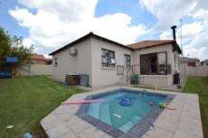 3 Bedroom House for sale in Thatchfield Estate 1083708 : photo#23