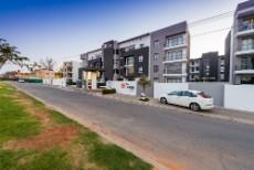 2 Bedroom Apartment for sale in Rivonia 1090148 : photo#7
