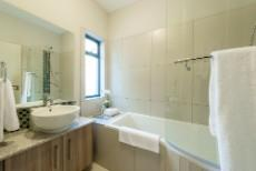 2 Bedroom Apartment for sale in Rivonia 1090148 : photo#14