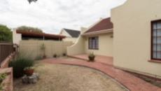 4 Bedroom House for sale in Plumstead 1093348 : photo#3