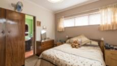 4 Bedroom House for sale in Plumstead 1093348 : photo#21