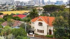 5 Bedroom House for sale in Vredehoek 1099748 : photo#0