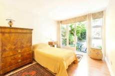4 Bedroom House for sale in Vredehoek 1104431 : photo#2