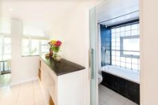 4 Bedroom House for sale in Vredehoek 1104431 : photo#9