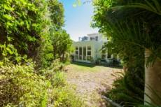 4 Bedroom House for sale in Vredehoek 1104431 : photo#19