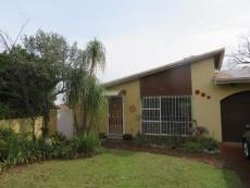 3 Bedroom Townhouse for sale in Farrarmere 1125679 : photo#1