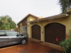 3 Bedroom Townhouse for sale in Farrarmere 1125679 : photo#2