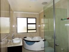 4 th Bedroom with en suite bathroom