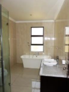 2nd Bedroom with en suite ( down stairs )