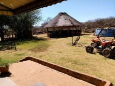 Thatch roof lapa