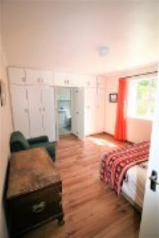 Sunny Bedroom with en-suite.