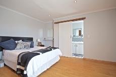Spacious ensuite bedroom in flat