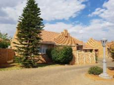 Located in the popular suburb of Langenhovenpark