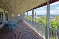 Top floor balcony facing the ocean