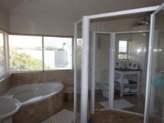 1st Floor: Main Bedroom