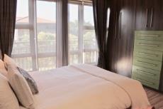 3rd Bedroom built-in cupbards
