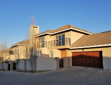 Beautiful double storey unit with automated double garages