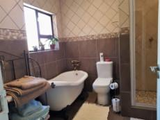 2nd Full bathroom sharing with 2nd & 3rd bedrooms