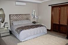 Main bedroom with walk-in closet