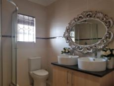 Full main-en-suite with shower & toilet